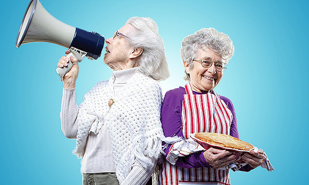 Two-Raging-Grannies_main_eyecatch